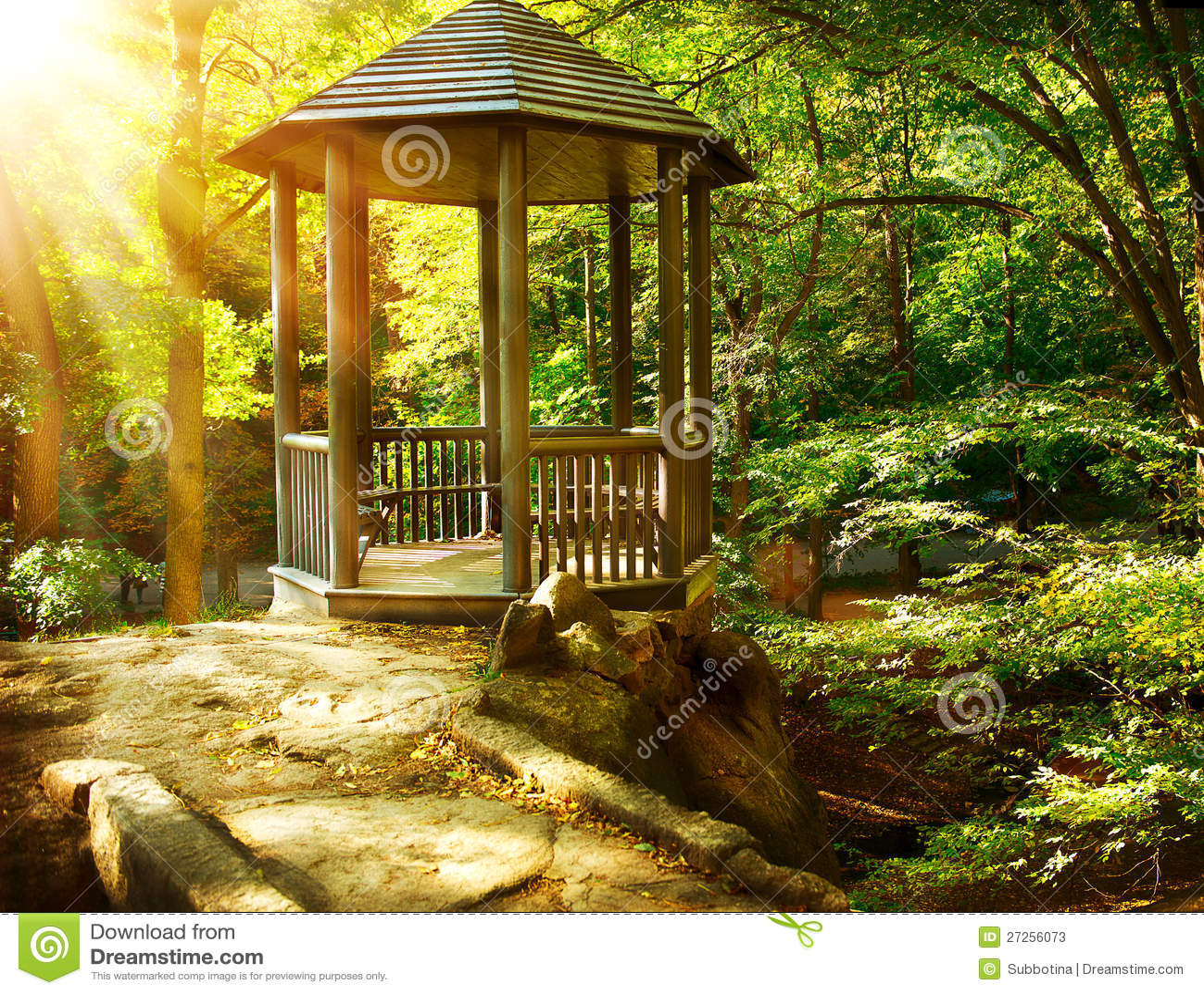 Arbor Park: Arbor In Autumnal Park Stock Image. Image Of Nature