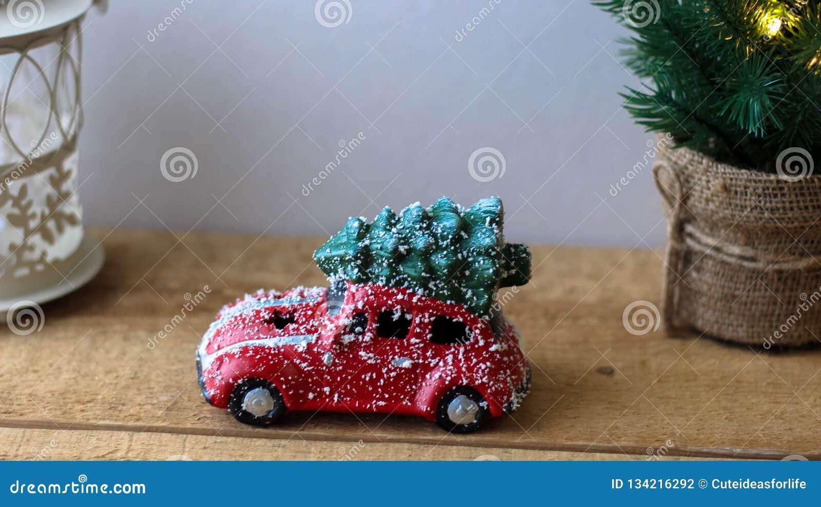 Noël Sur Jouet Le De Rouge Arbre Toit Voiture Transport UzpVSM
