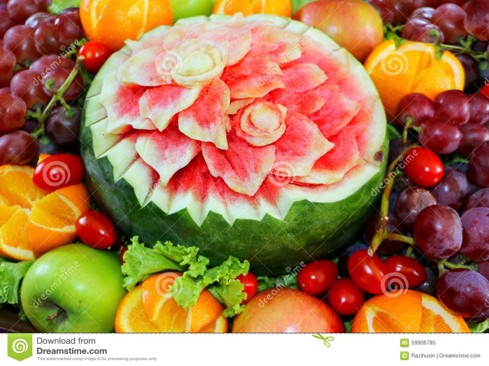 Arbuz Rzeźbiący Kwiatu Kształt Owoc I Obraz Stock Obraz