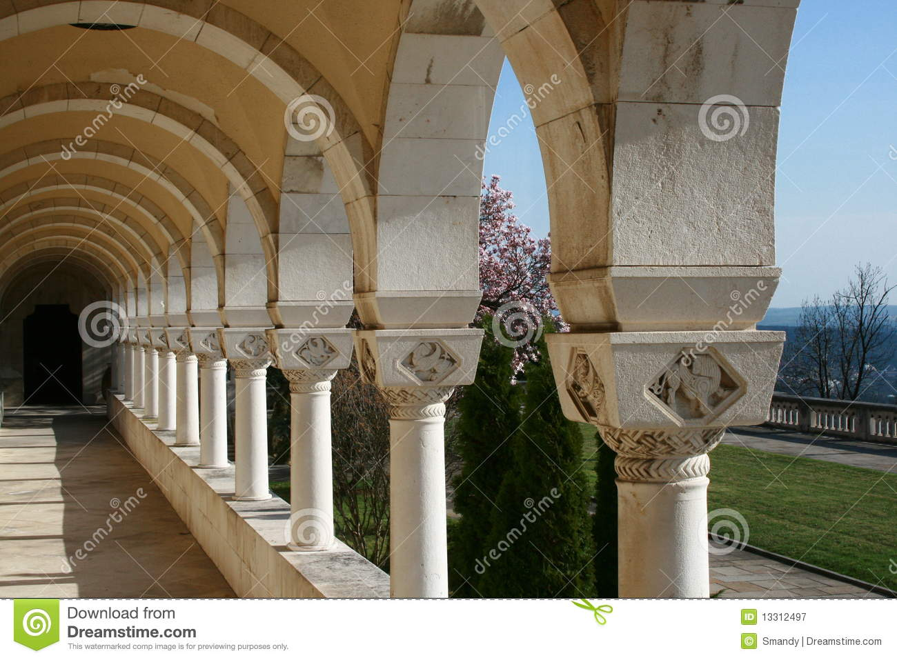 Arcades et architecture royal palace de jardin for Architecture de jardin