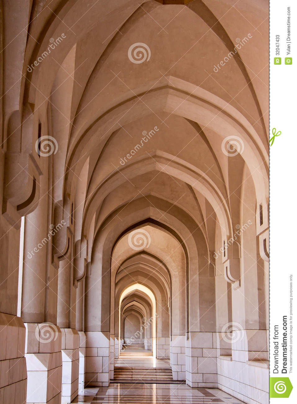 Arch corridor in an arabic mosque stock image image for Architecture arabe