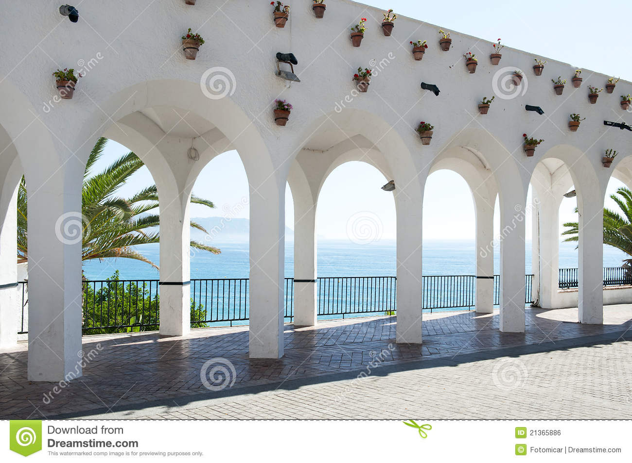 Arch 39 s at balcon de europa nerja stock photo image for Accesorios para toldos de balcon
