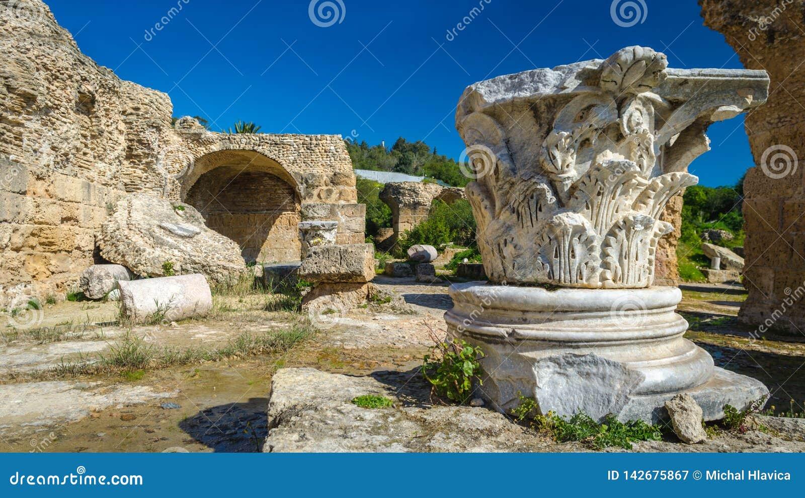 Archeologische Plaats - Ruïnes van Carthago bij Baden van Antoninus
