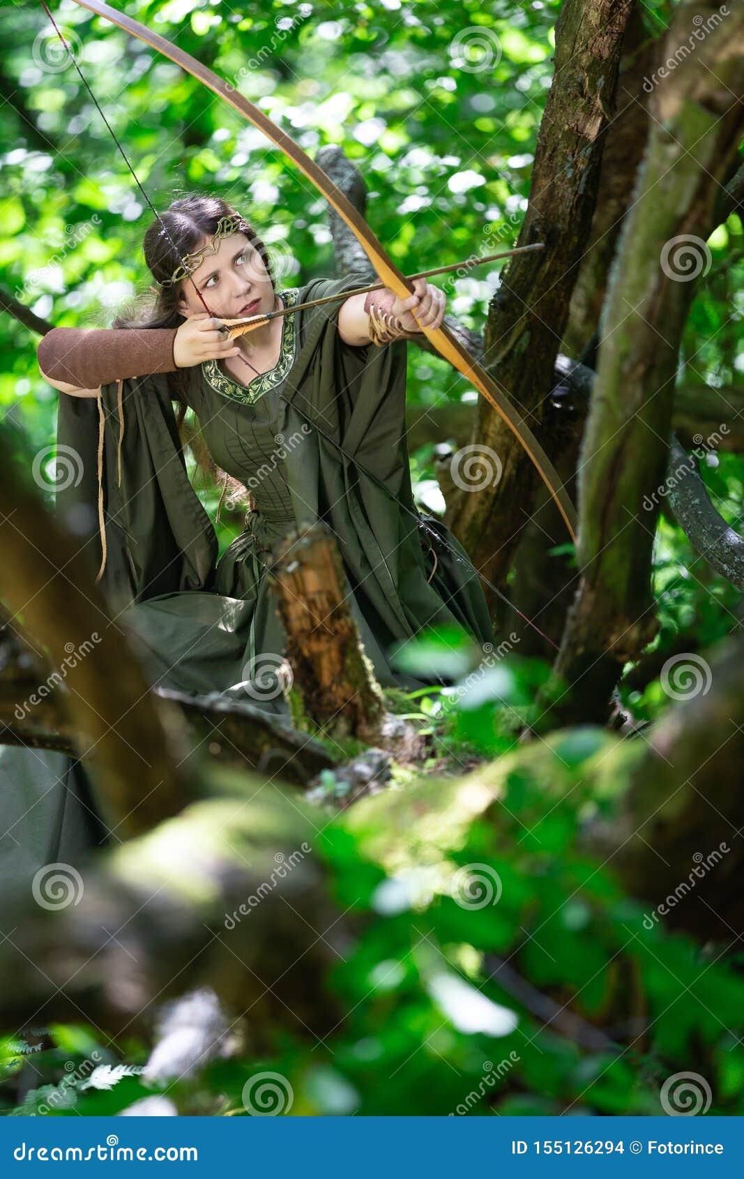 Archer d Elf avec un arc