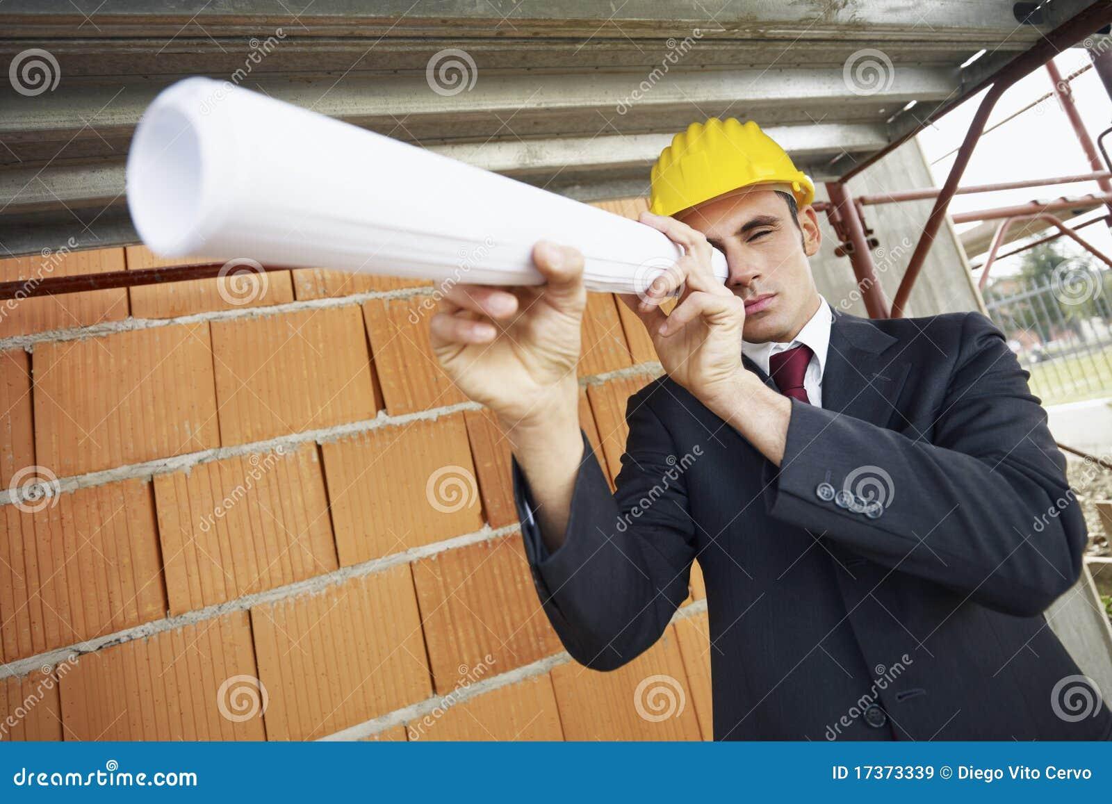 Architecte dans le chantier de construction images libres for Chantier architecte