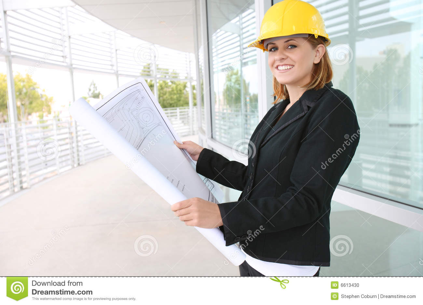 Architecte de femme sur le chantier de construction photo for Chantier architecte