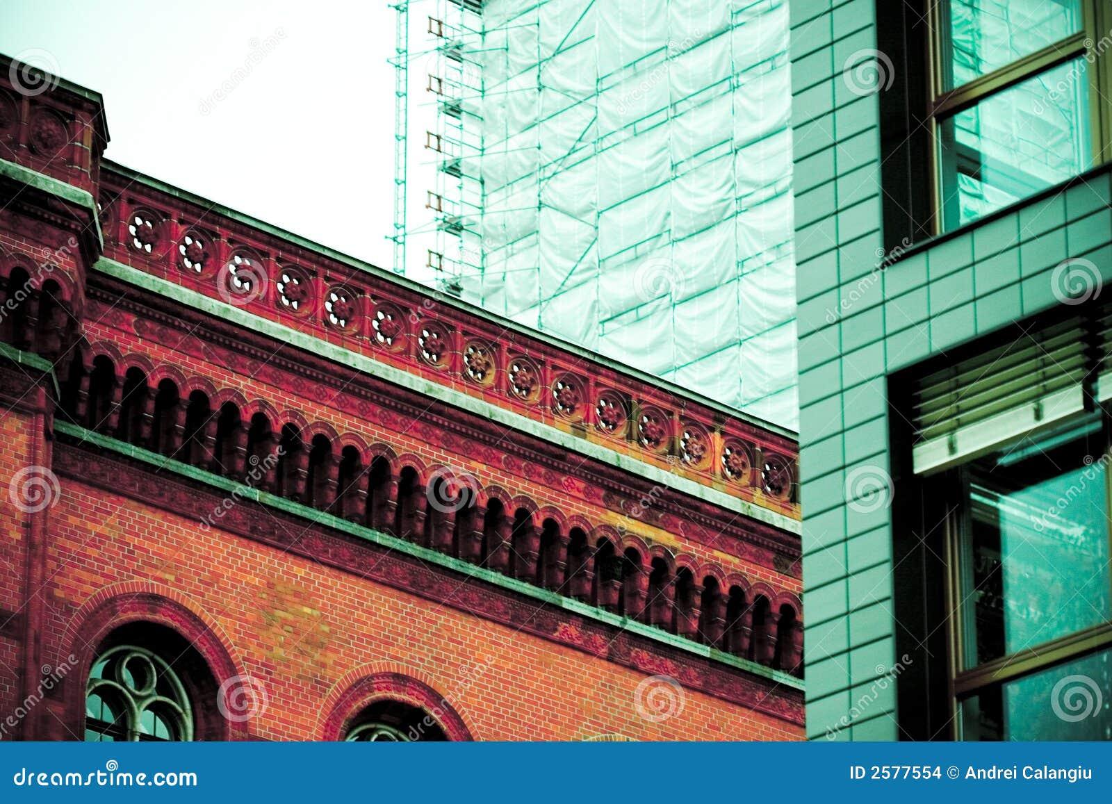 Architecturaal contrast, Berlijn