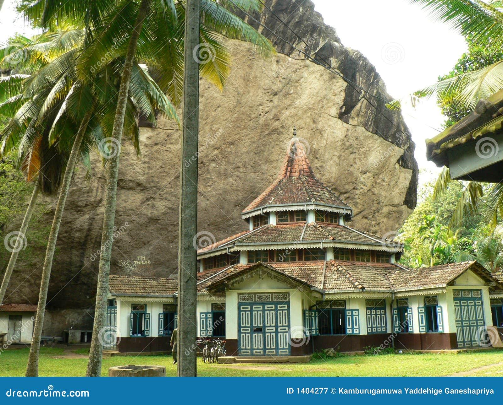 Architecture d un vieux temple bouddhiste au Sri Lanka