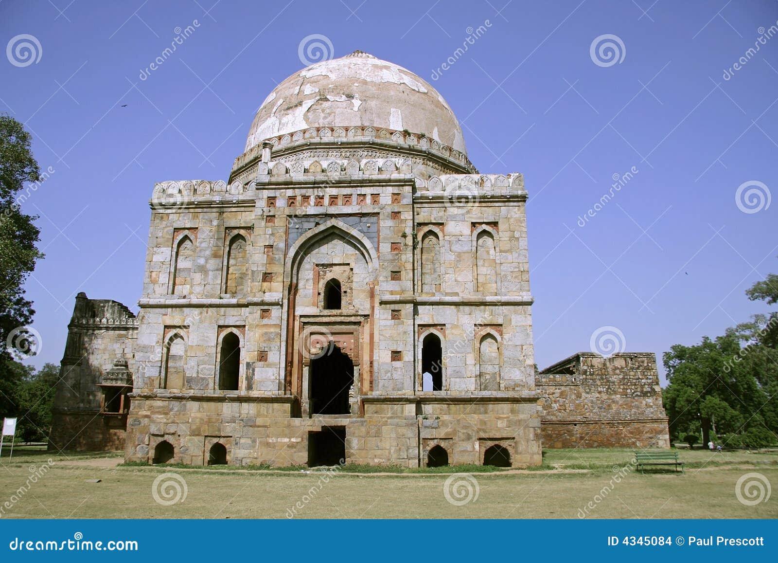 Architecture de Mughal aux jardins de lodhi