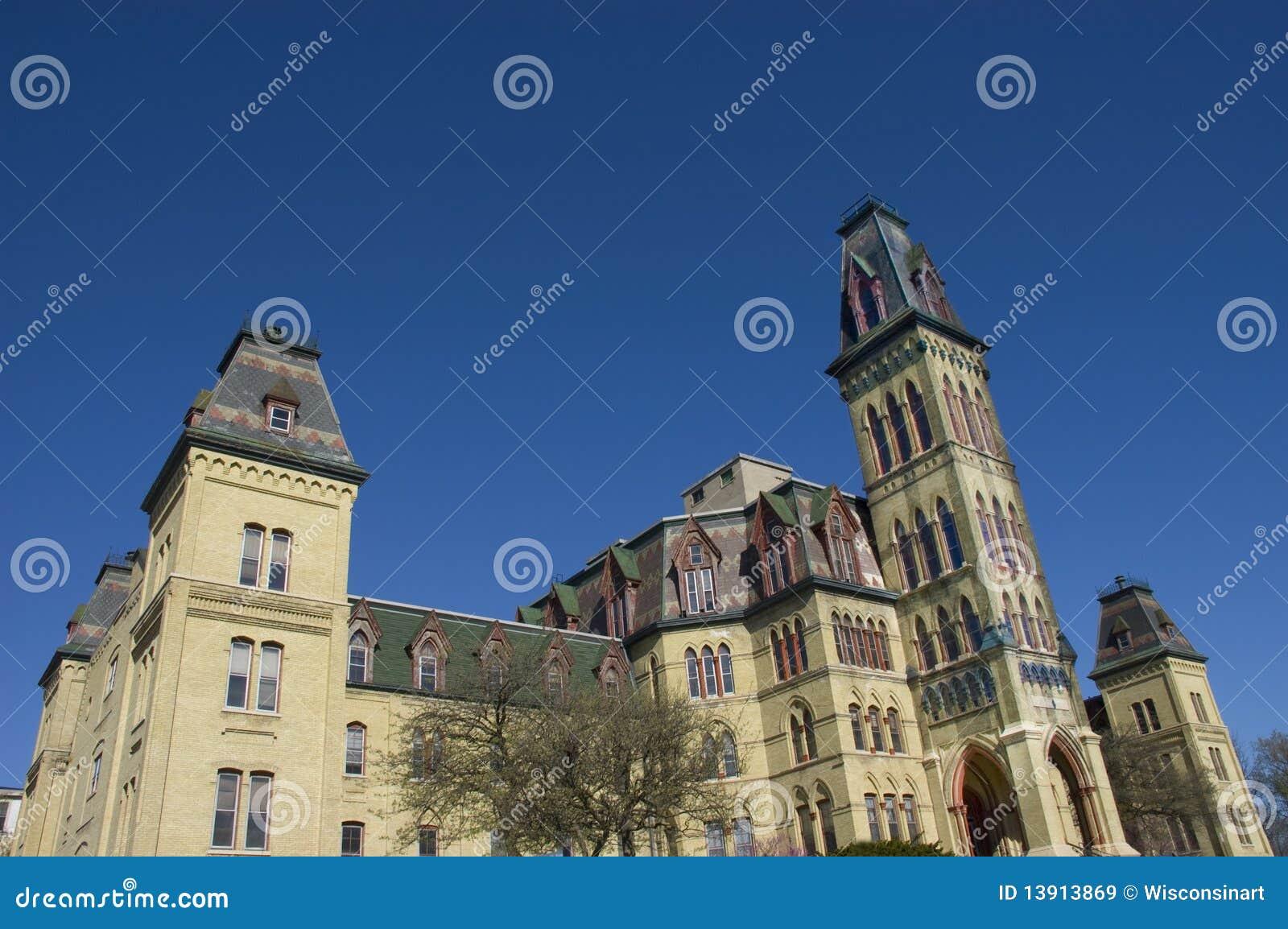 Architecture gothique victorienne de type images libres de for Architecture victorienne