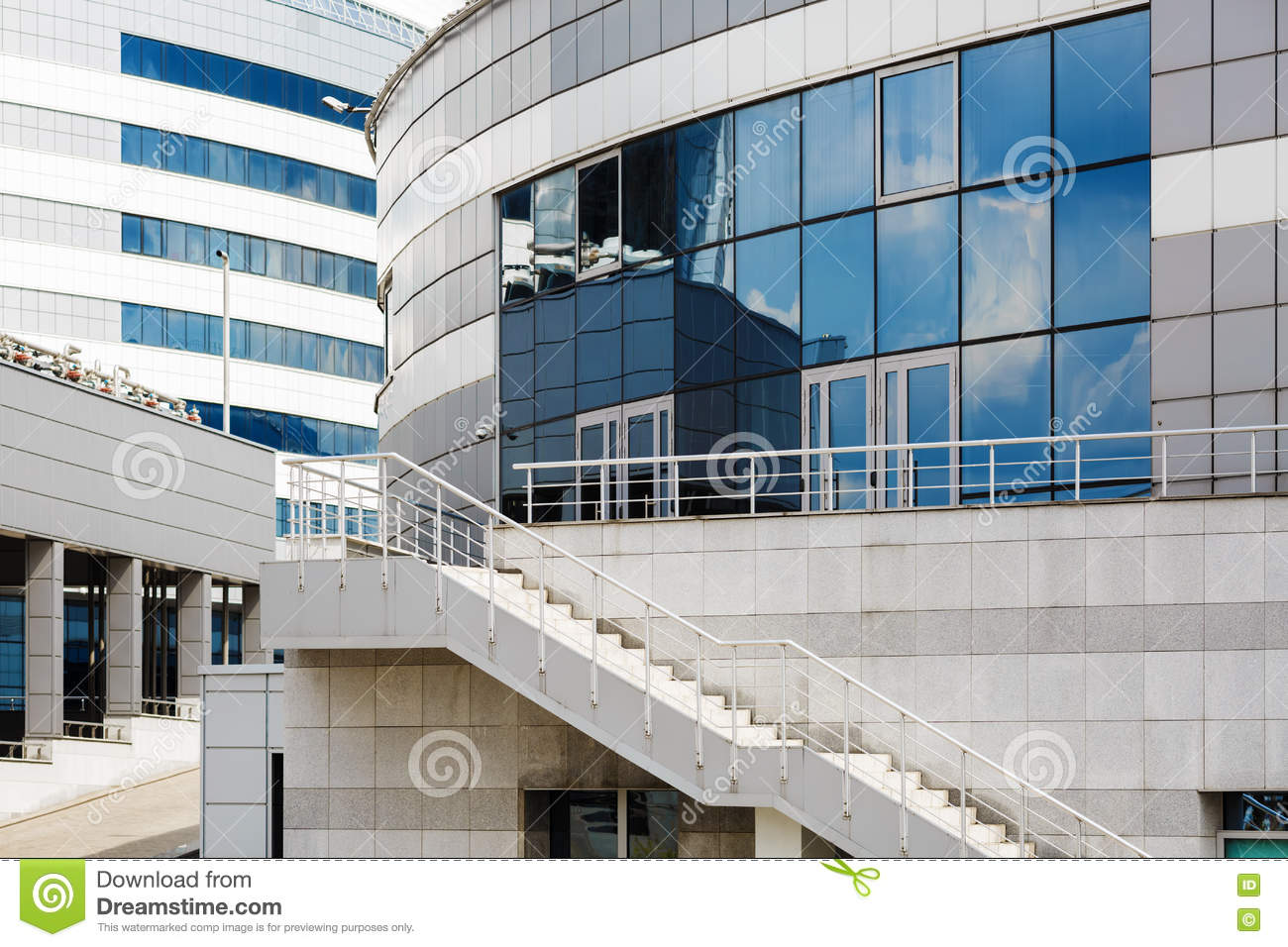 Architecture industrielle moderne photo stock image for Architecture industrielle
