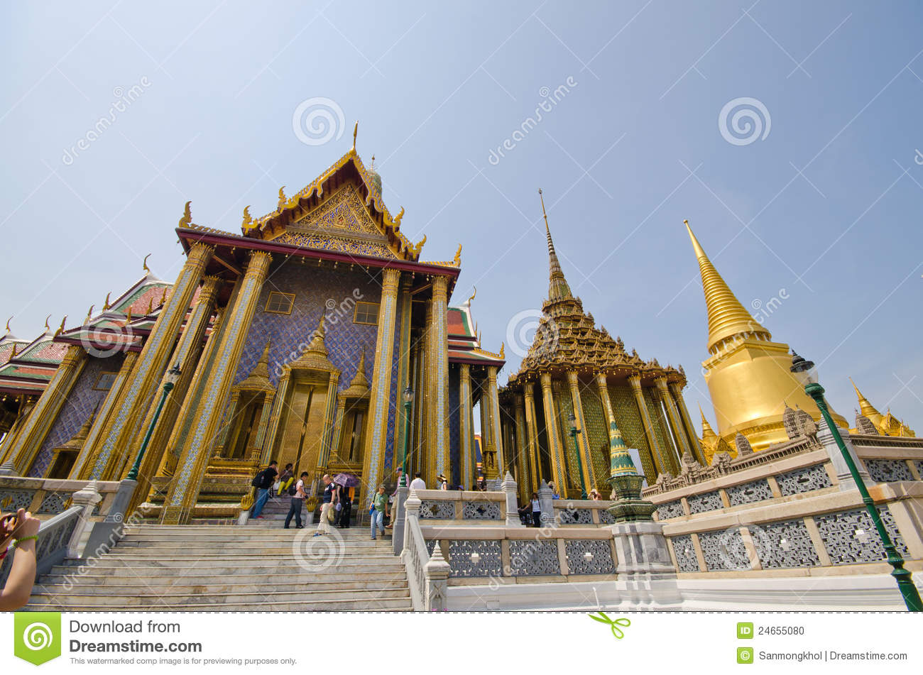 Architecture at wat phra kaew bangkok th editorial image for Wat architecture