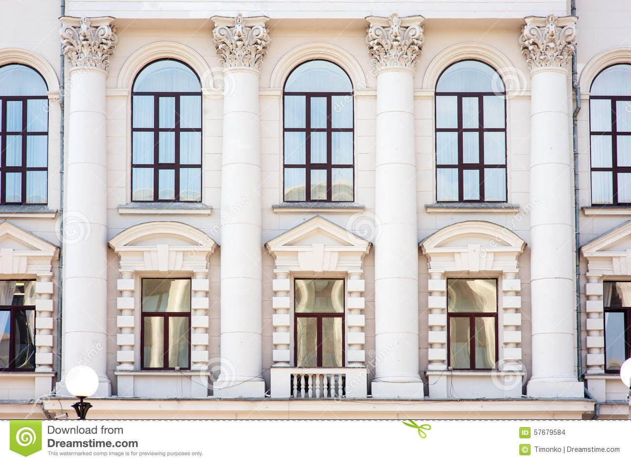 Architecture and windows of ancient renaissance style for Architecture windows