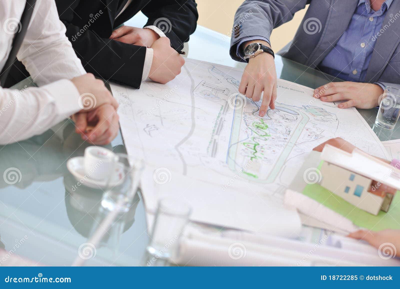 Architekta biznesu drużyna na spotkaniu
