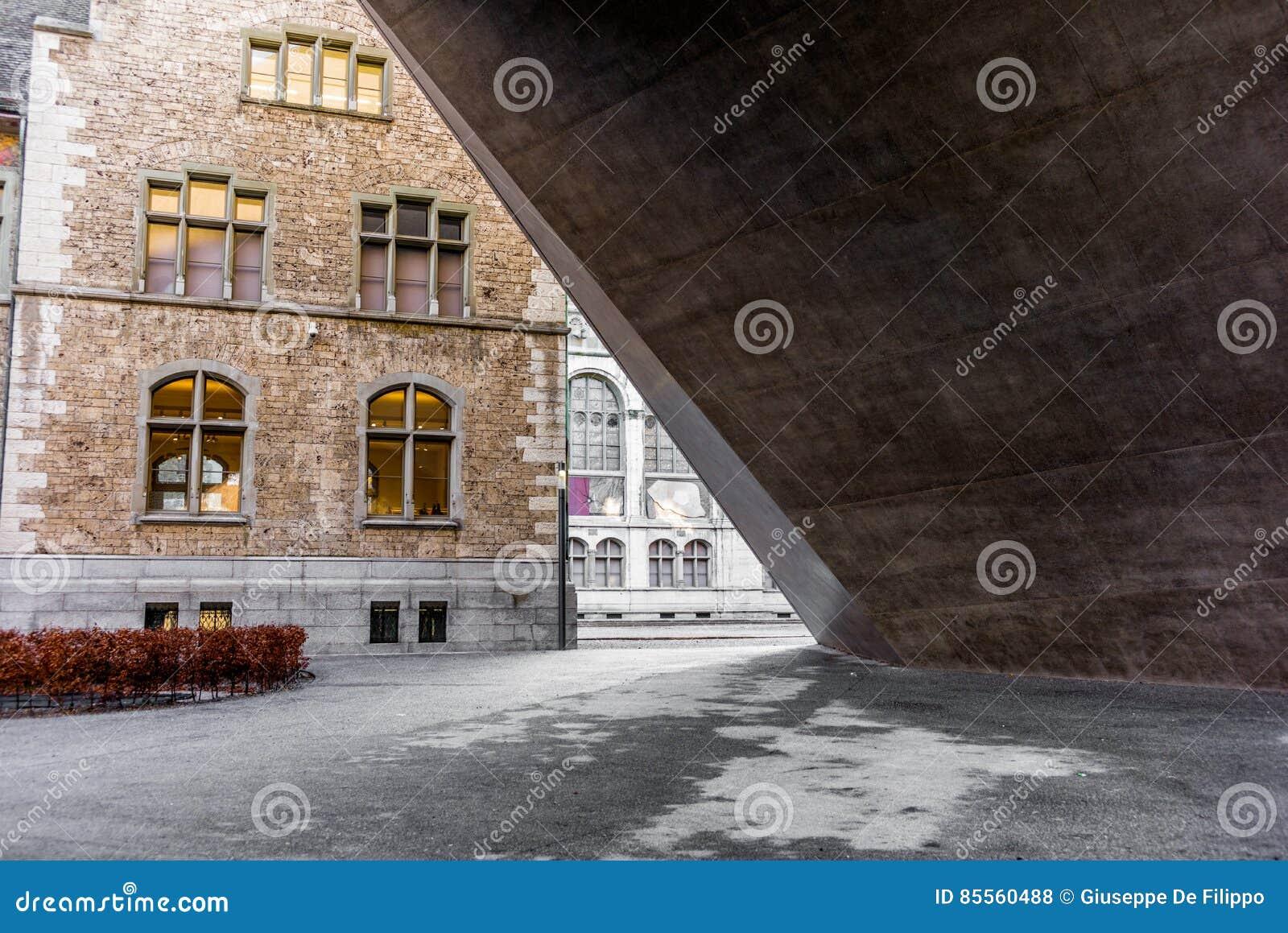 Architekturdetail des Landesmuseum in Zürich - 2