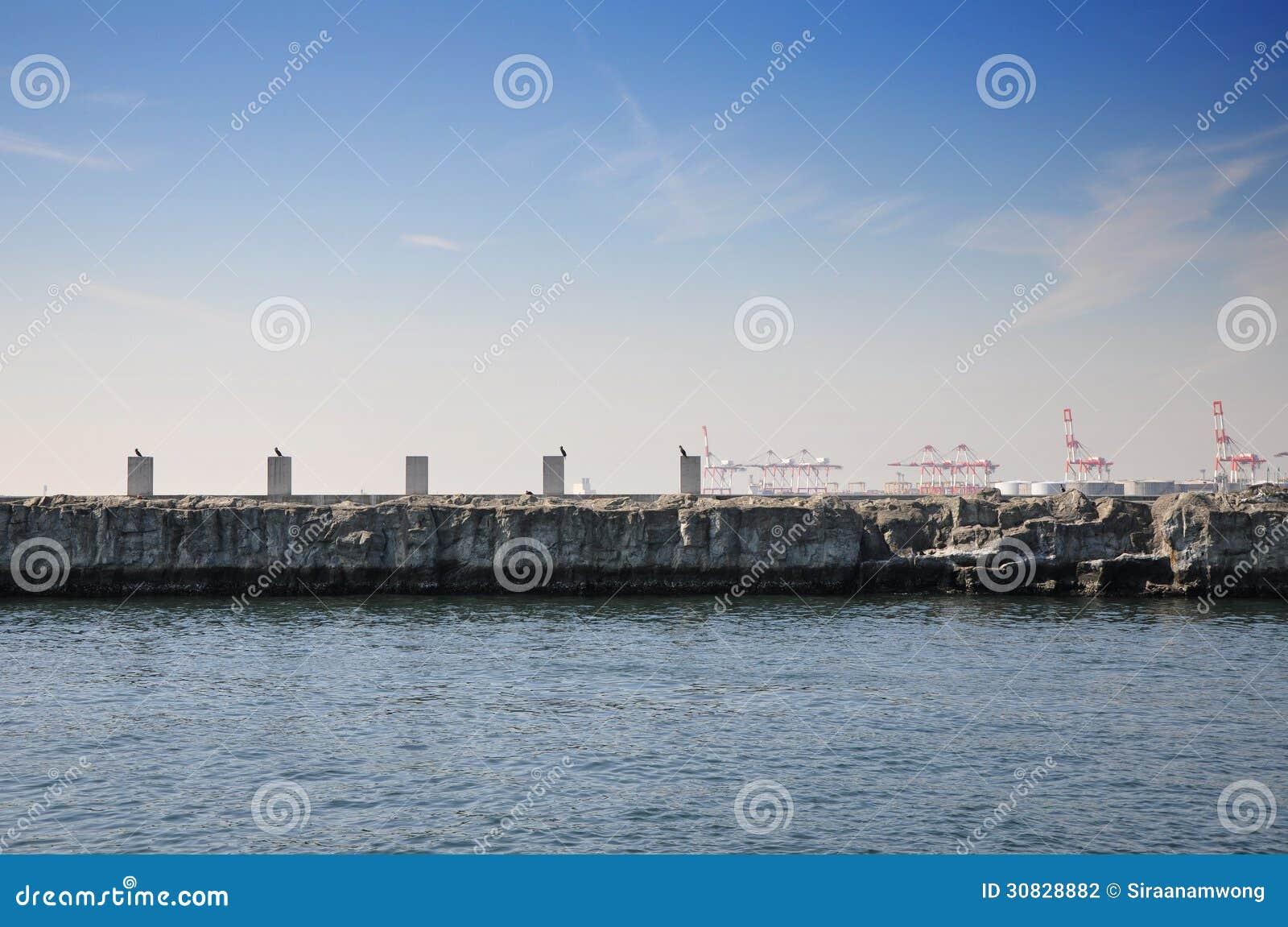 Architettura astratta al porto tempozan del harborland, Osaka, Giappone