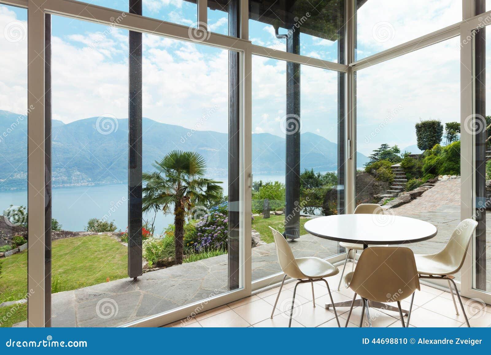 Nterior, Stanza Del Salone, Vista Della Veranda Fotografia Stock ...