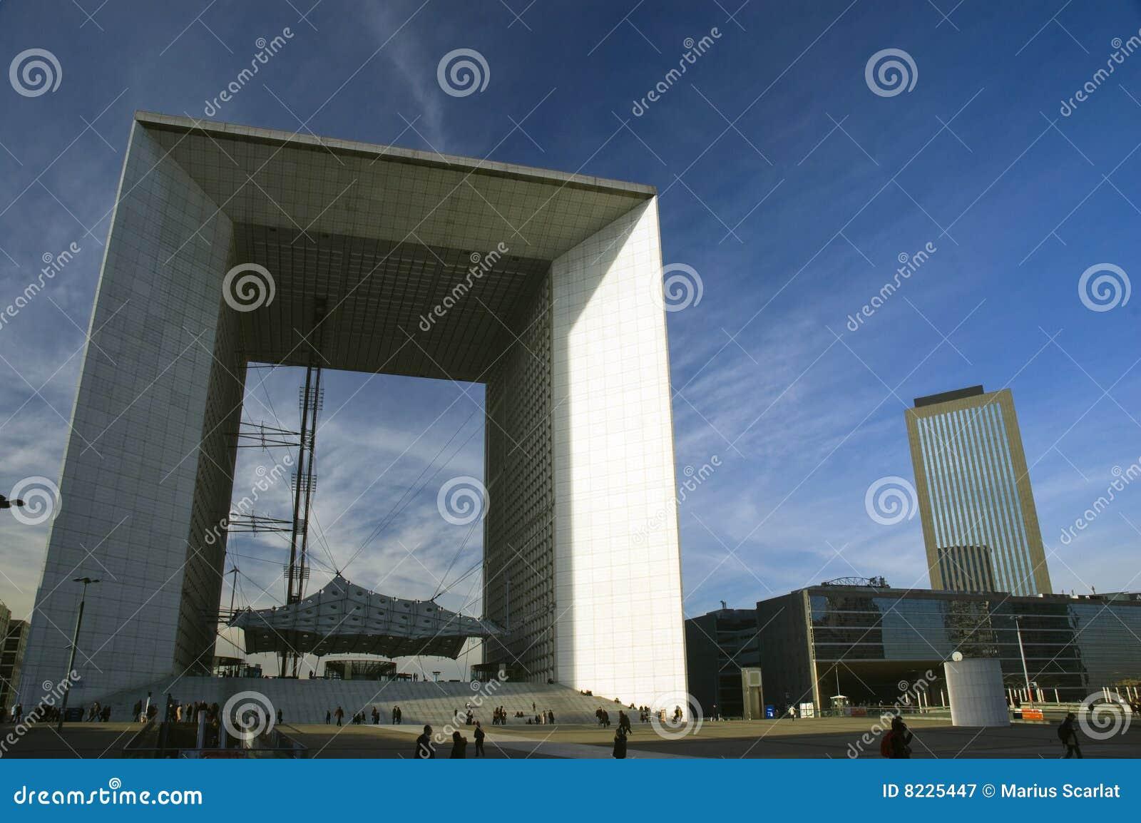 Architettura moderna a parigi fotografia stock libera da for Architettura a parigi