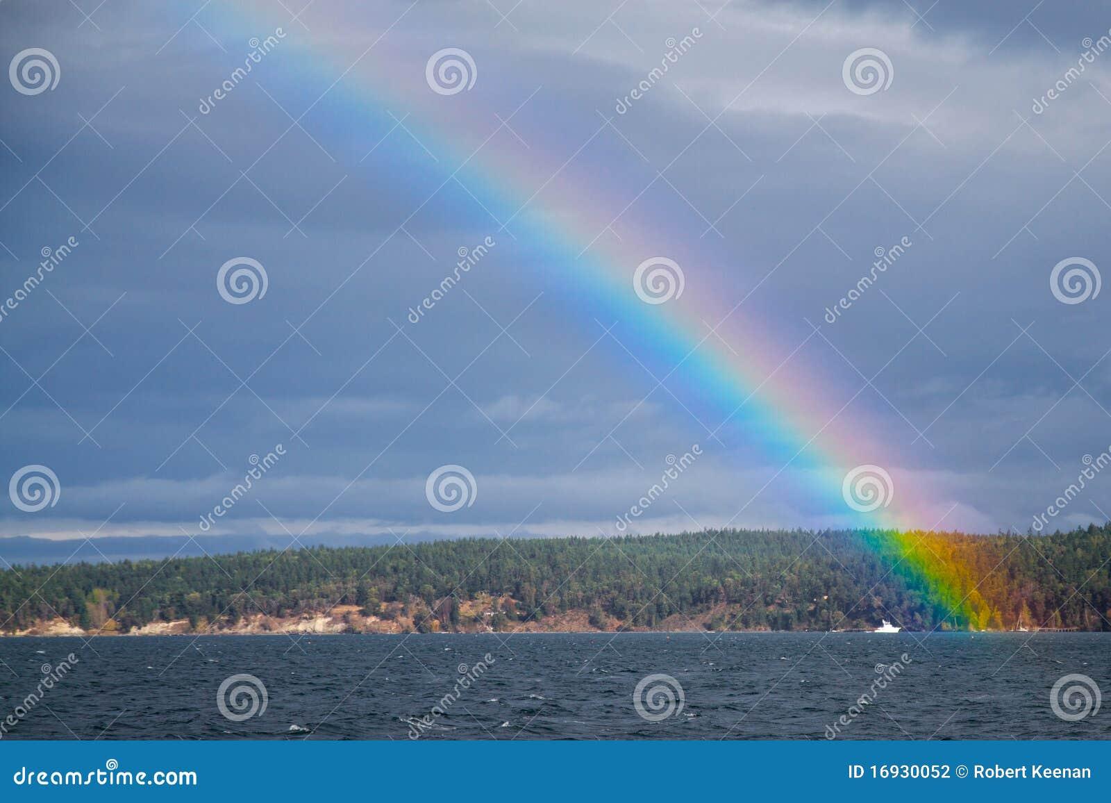 Arco-íris sobre o louro da descoberta