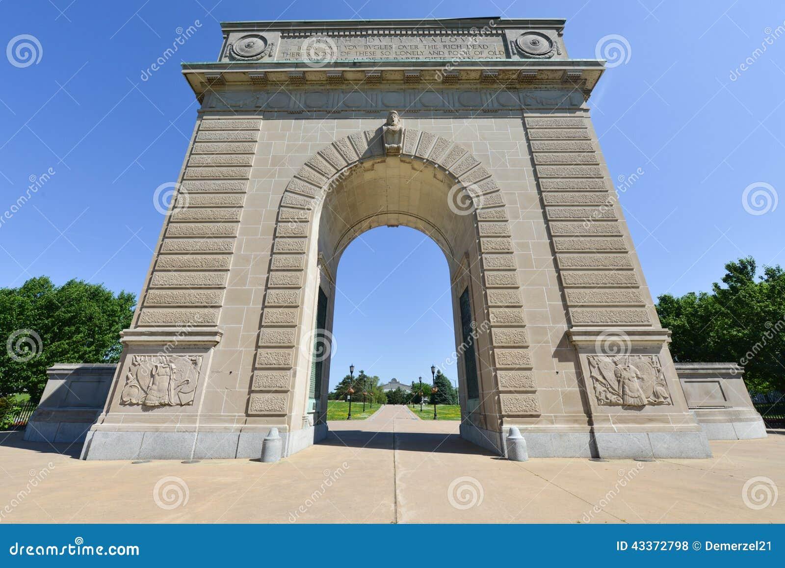 Arco commemorativo dell istituto universitario militare reale, Kingston, Ontario
