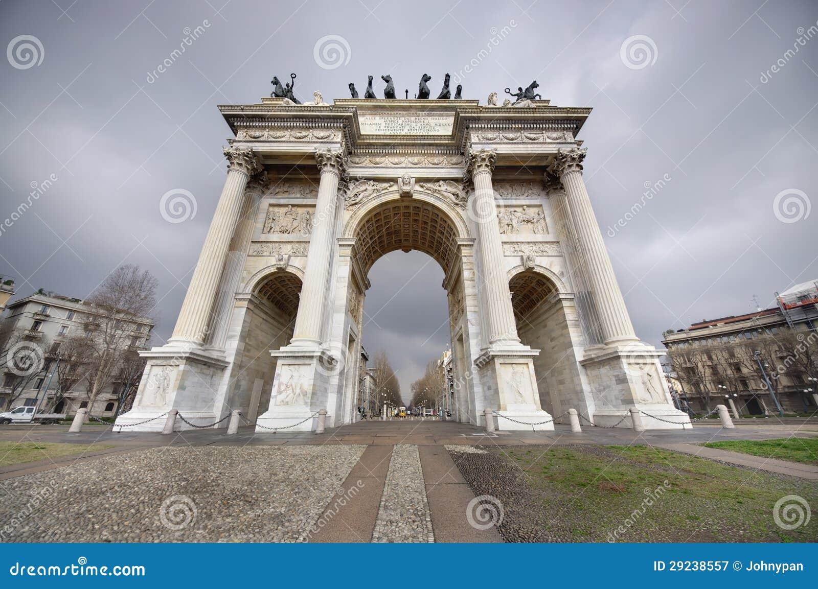 Download Arco da paz, Milão imagem de stock. Imagem de marco, famoso - 29238557