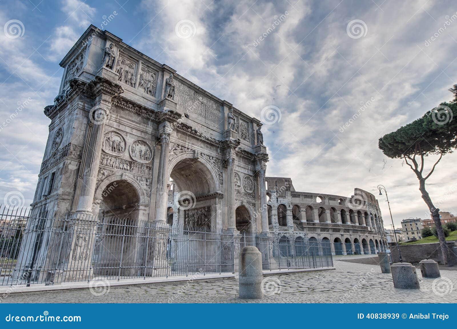 Arco de Constantim em Roma, Italia