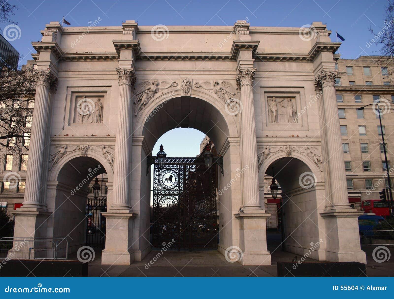 Arco di marmo