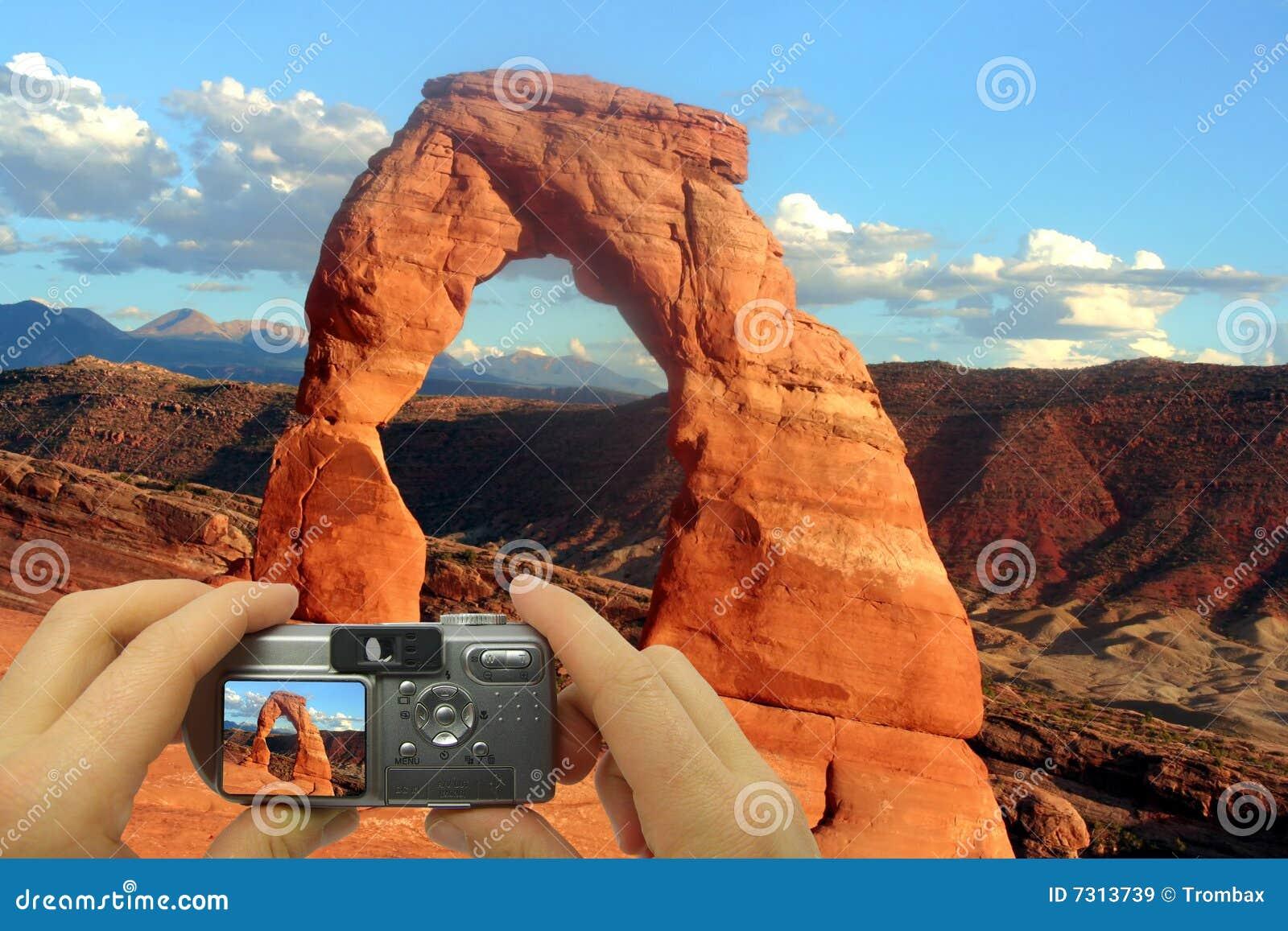 Arco fragile del montaggio della foto