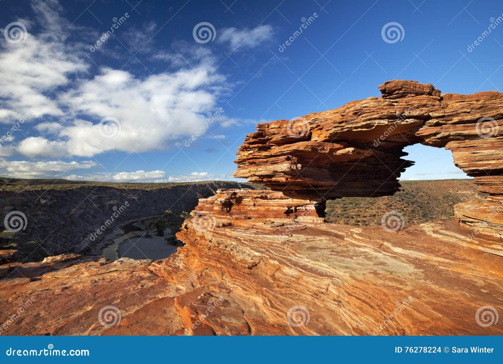 Arco natural de la roca de la ventana de la naturaleza en Kalbarri NP, Australia