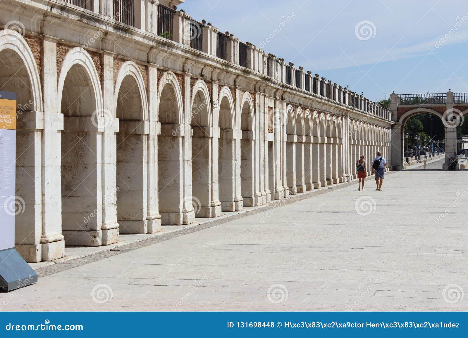 Arcos de pedra em Aranjuez, Espanha