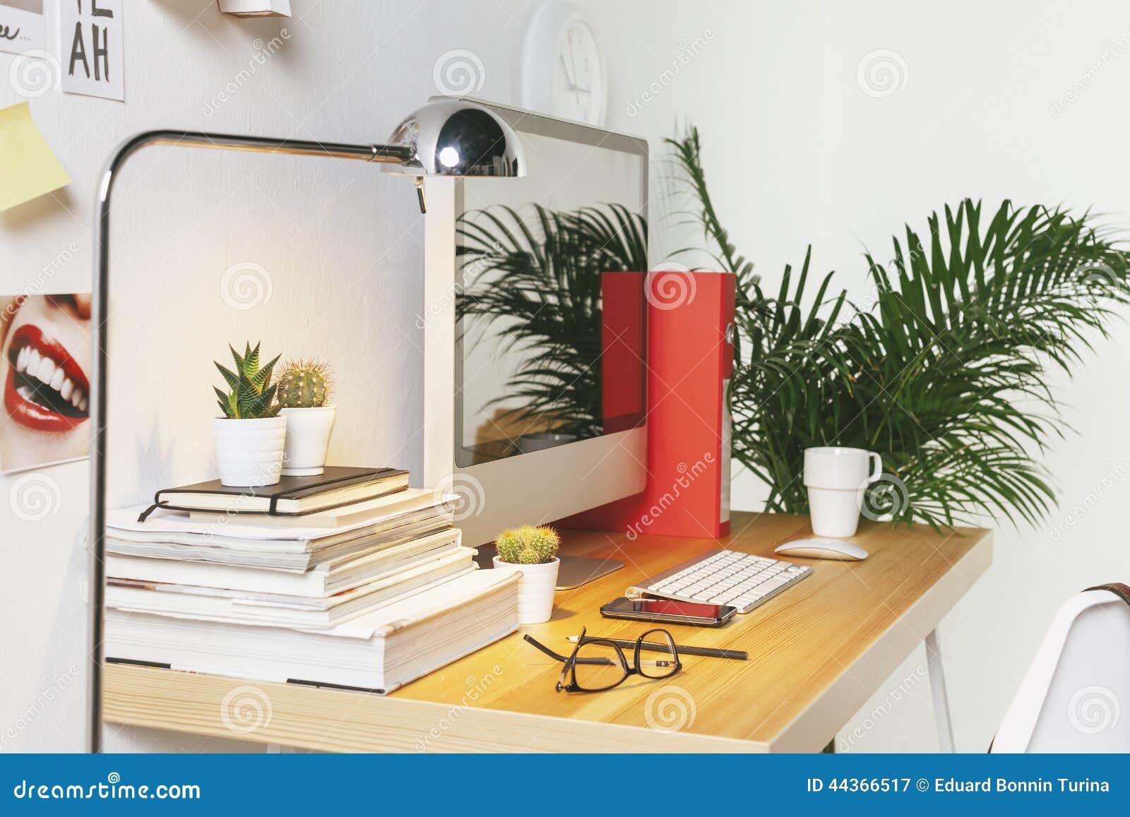 Area di lavoro creativa moderna