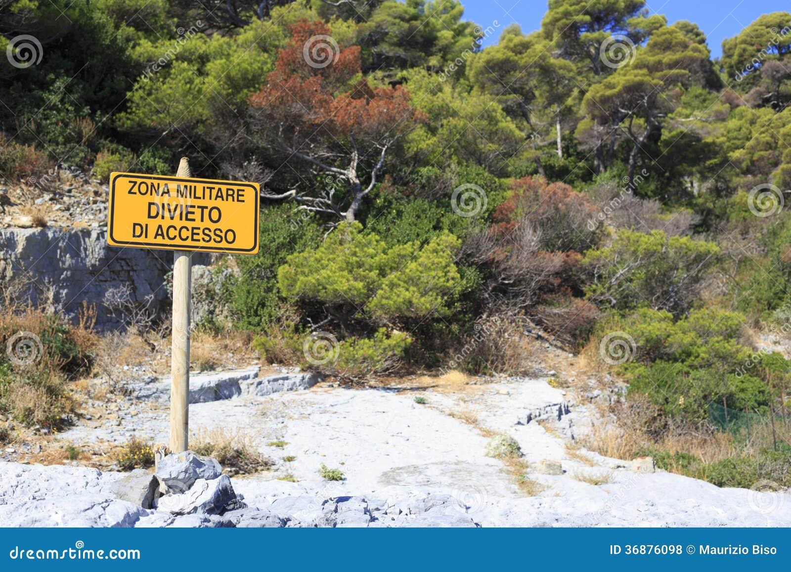 Download Area militare fotografia stock. Immagine di segno, italia - 36876098
