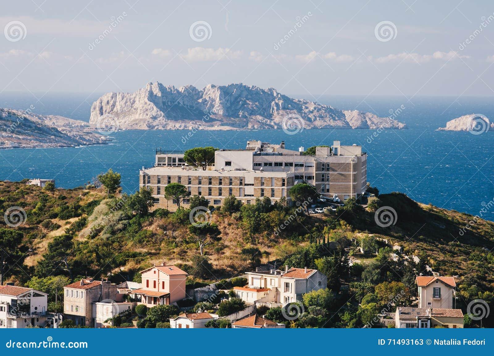 Areal Sikt Pa Marseille Fran Berget Frankrike Fotografering For Bildbyraer Bild Av Slott Harlig 71493163