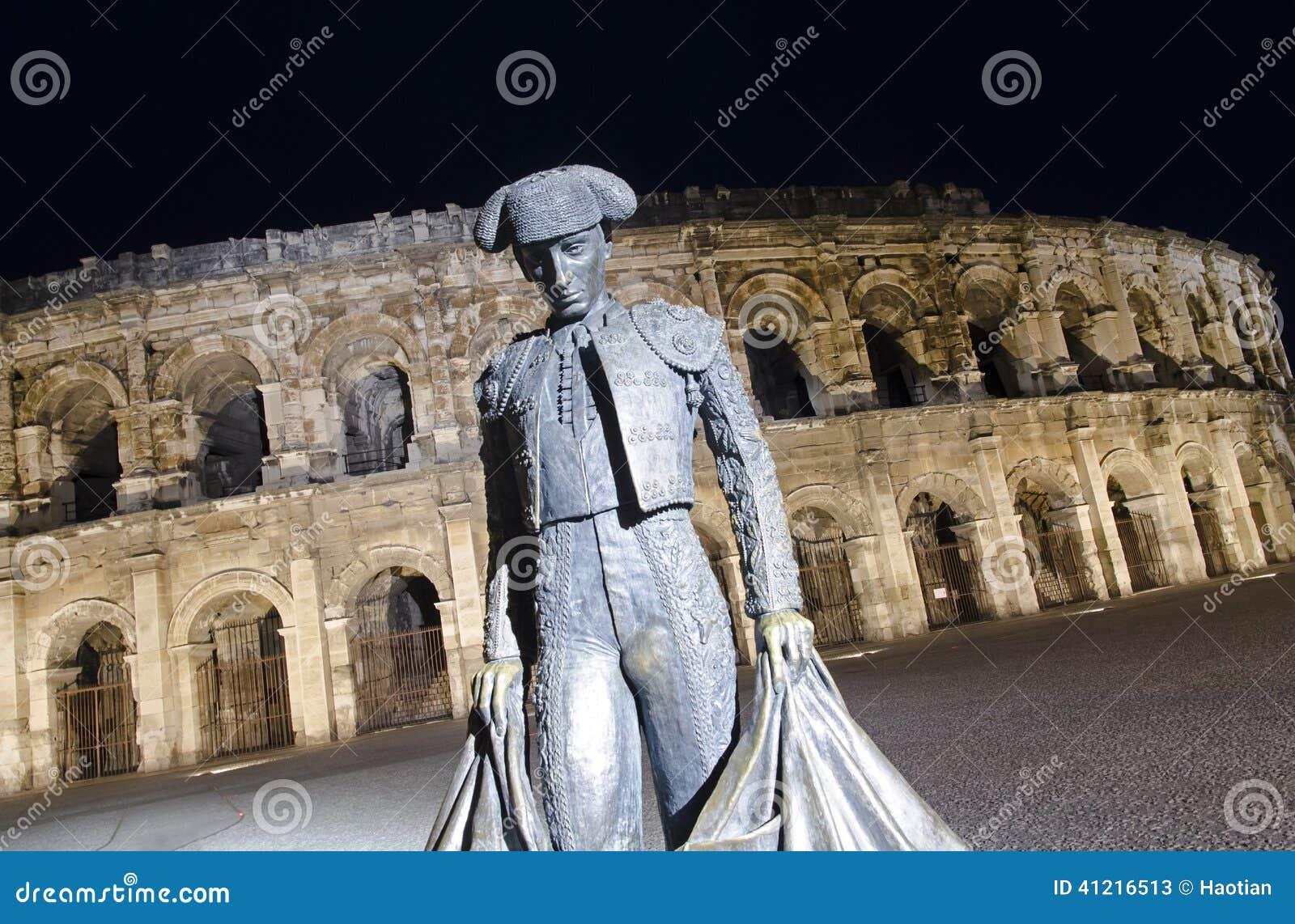 Arena de Nimes na noite