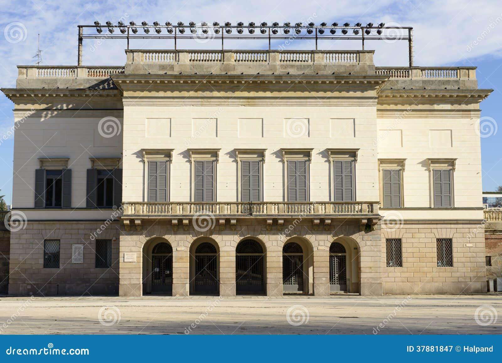 Arena hoofdingang, Milaan
