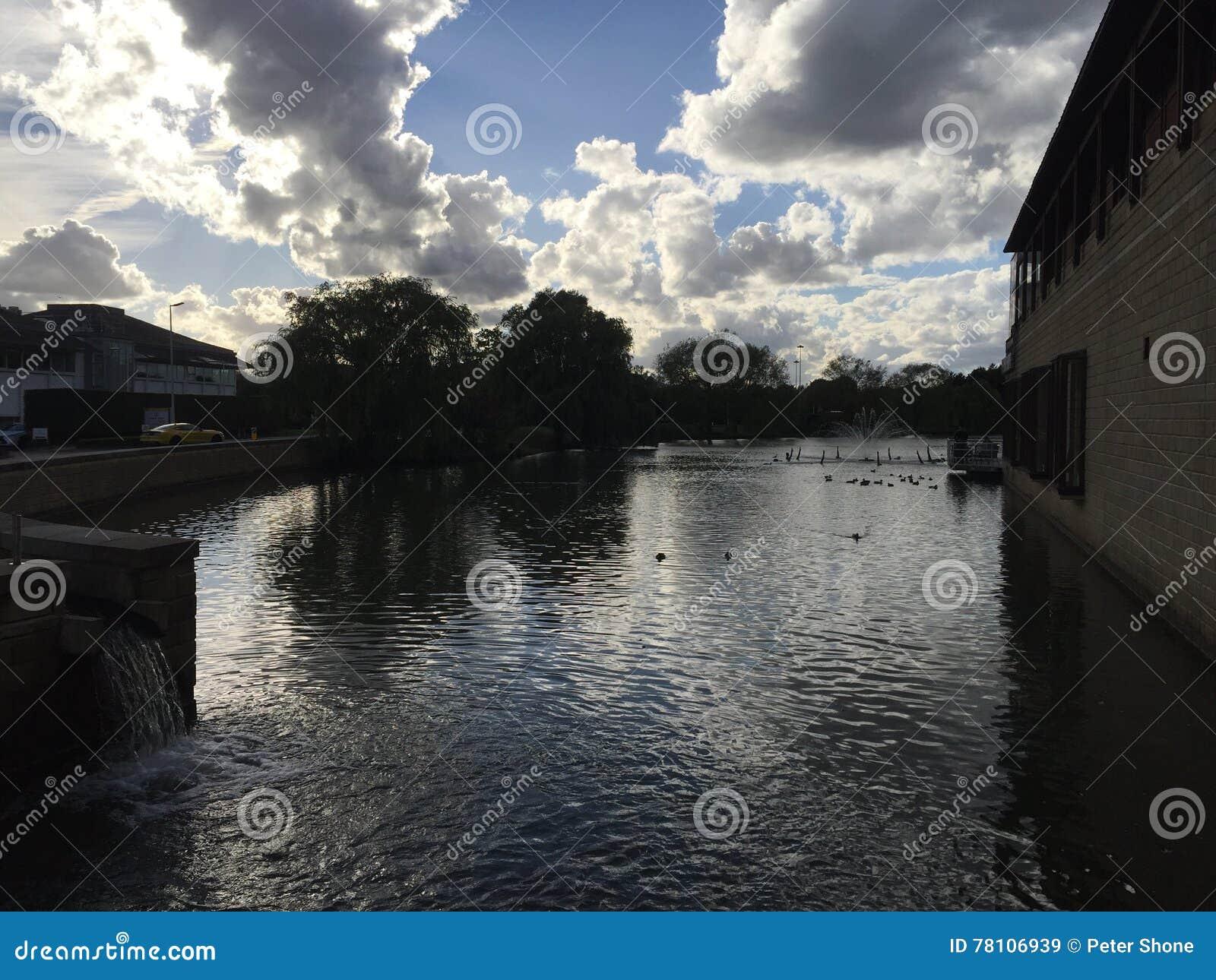 Areny jezioro przy Stockley parkiem, Middlesex