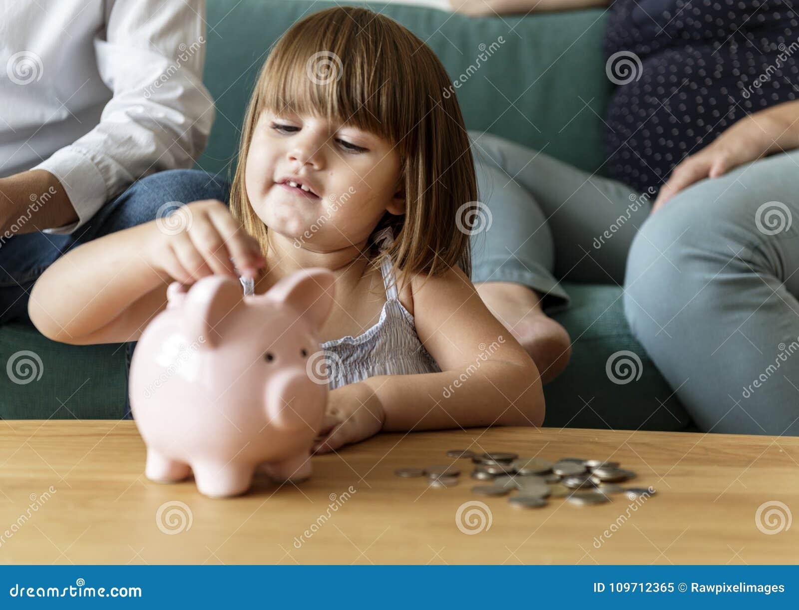 Argent d économie de famille à la tirelire