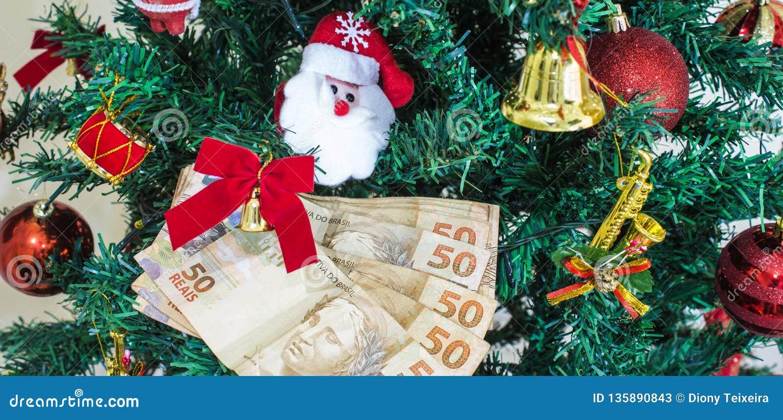 Argent de Brasilia pour les cadeaux de Noël ou l argent de cadeau Concept de Noël