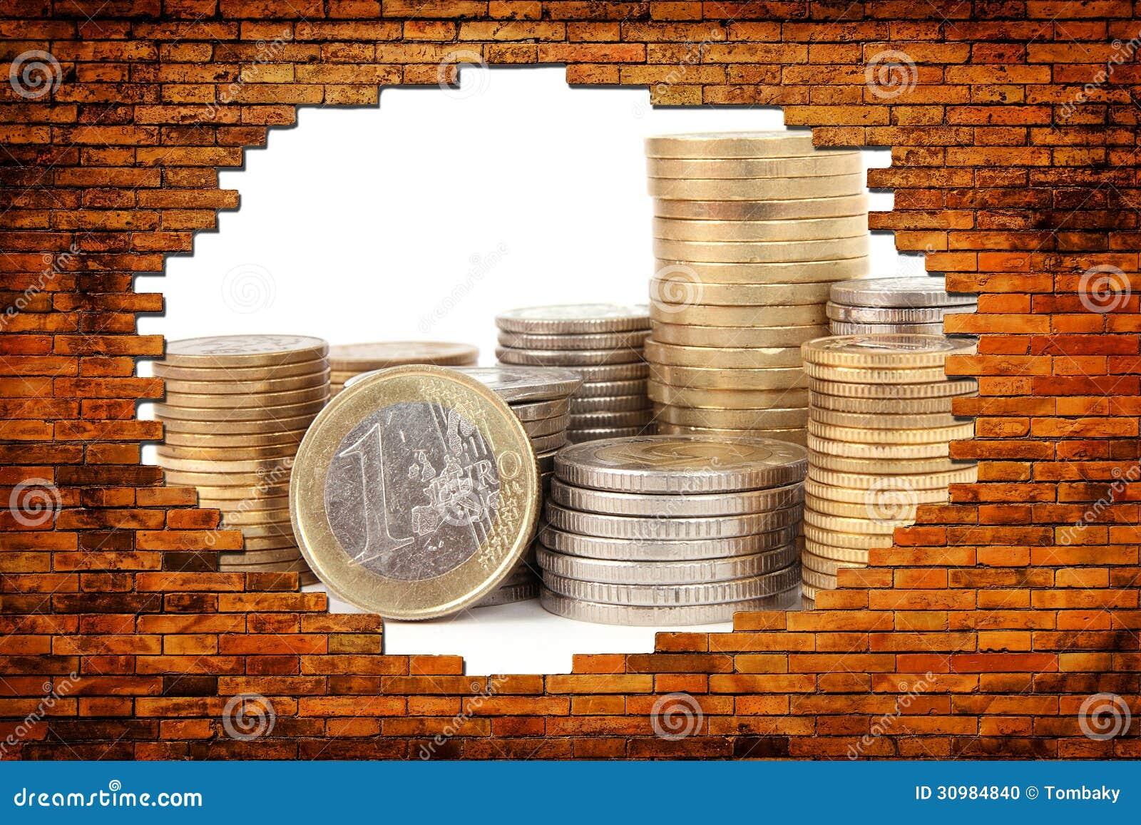 Argent pour un trou dans le mur de briques