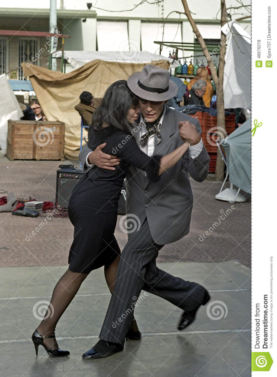 Download Argentine Girl Wallpaper For Mac: Argentine Man And Woman Dancing The Tango Editorial Stock