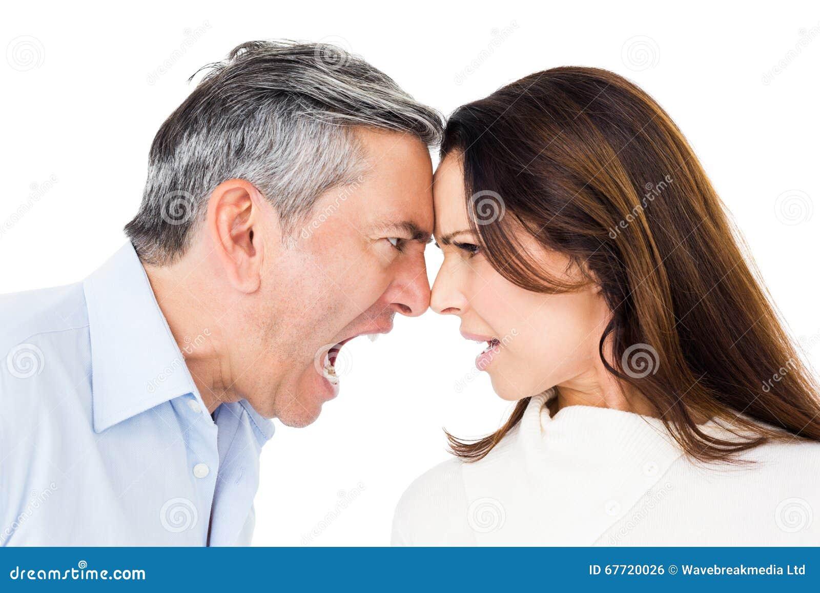 Argumentation fâchée de couples