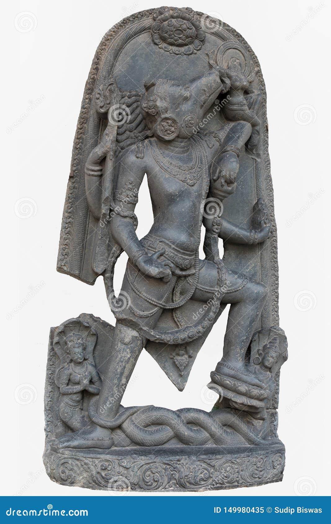 Arkeologisk skulptur av Varahavatara galtinkarnationen av Lord Vishnu från det tionde århundradet, basalt, Surajkund, Nalanda,