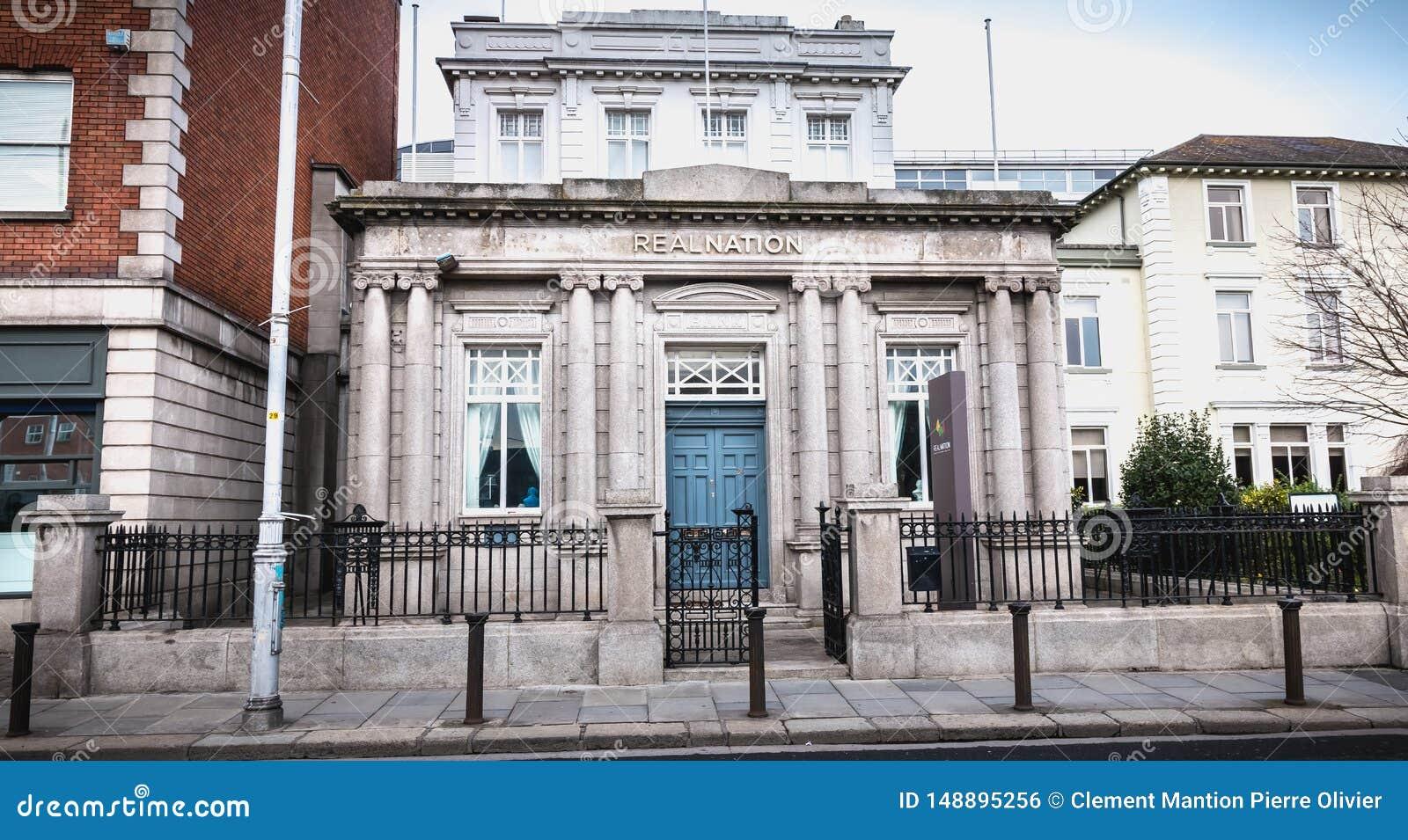 Arkitektonisk detalj av det RealNation kontoret i Dublin, Irland