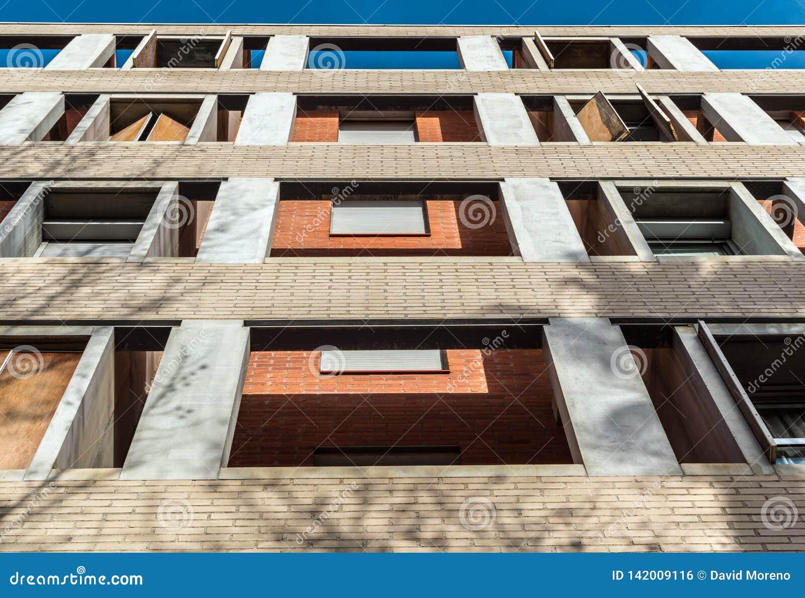 Arkitektonisk struktur av minimalist byggnad