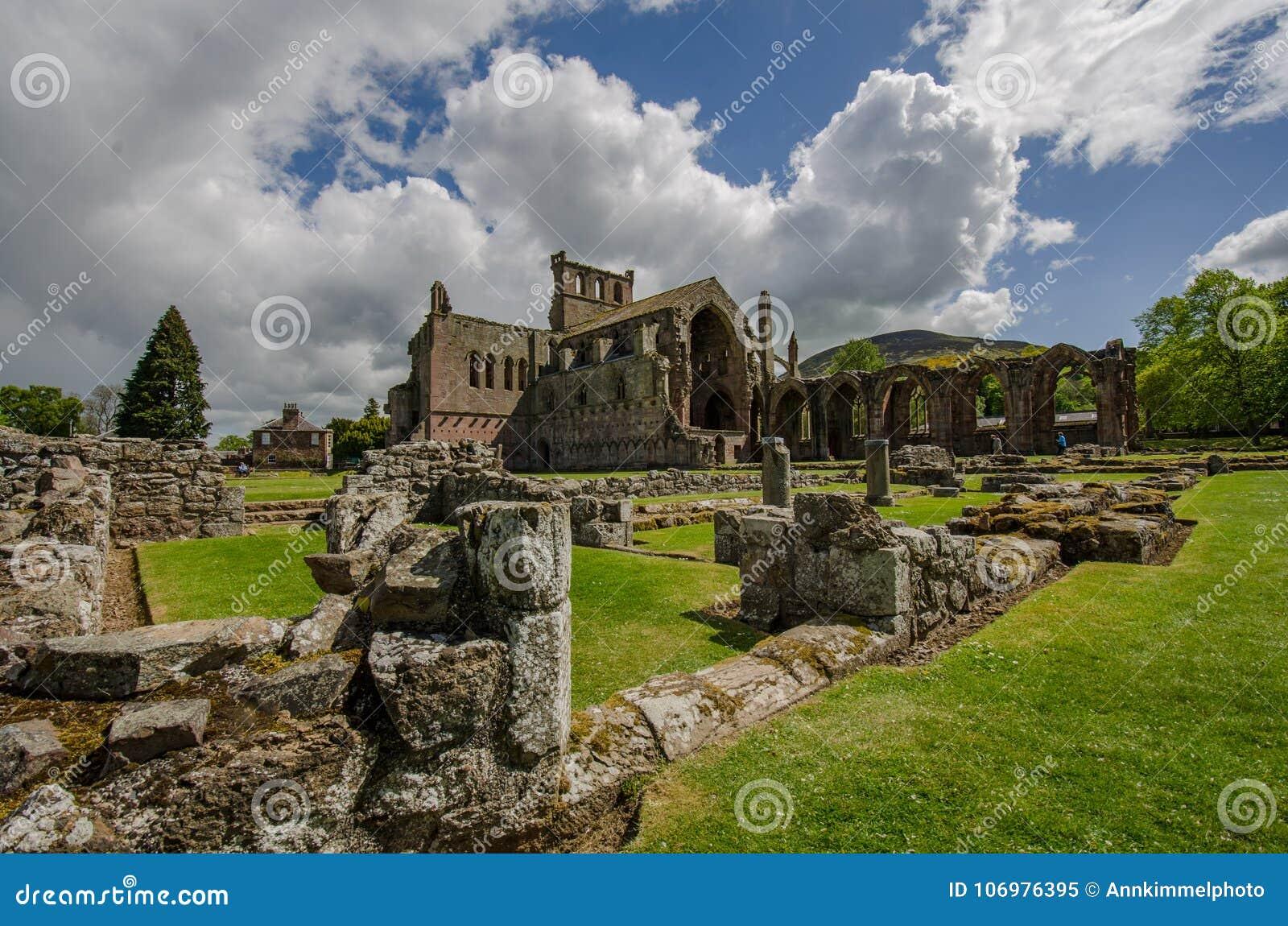 Arkitektoniska detaljer av Melroseabbotskloster