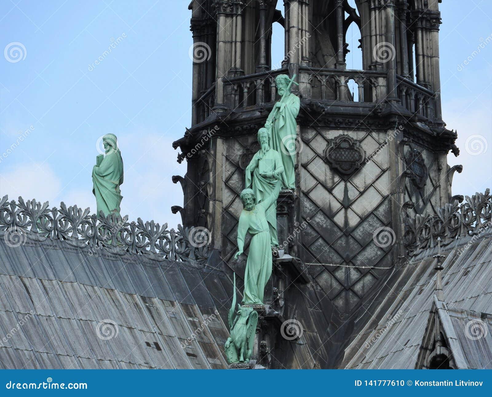 Arkitektoniska detaljer av Notre Dame de Paris Notre Dame Cathedral - den mest berömda gotiska Roman Catholic Cathedral 1163-1345