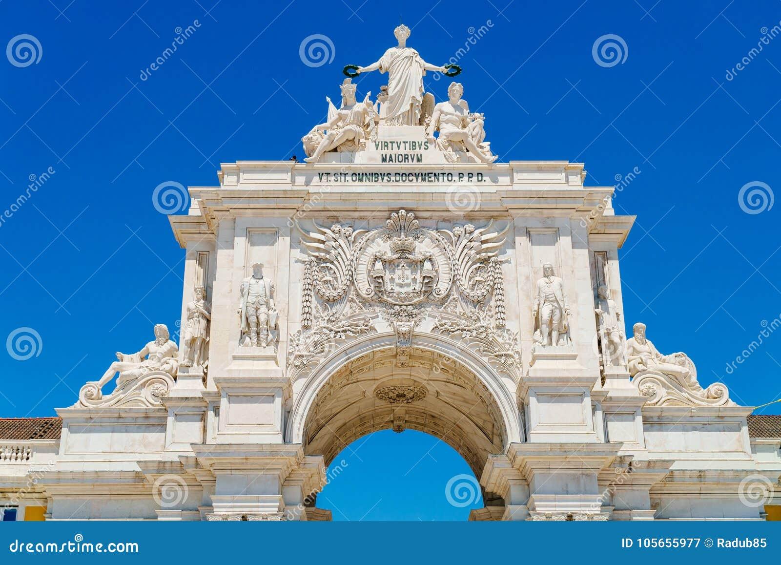Arkitektoniska detaljer av Rua Augusta Arch In Lisbon City av Portugal
