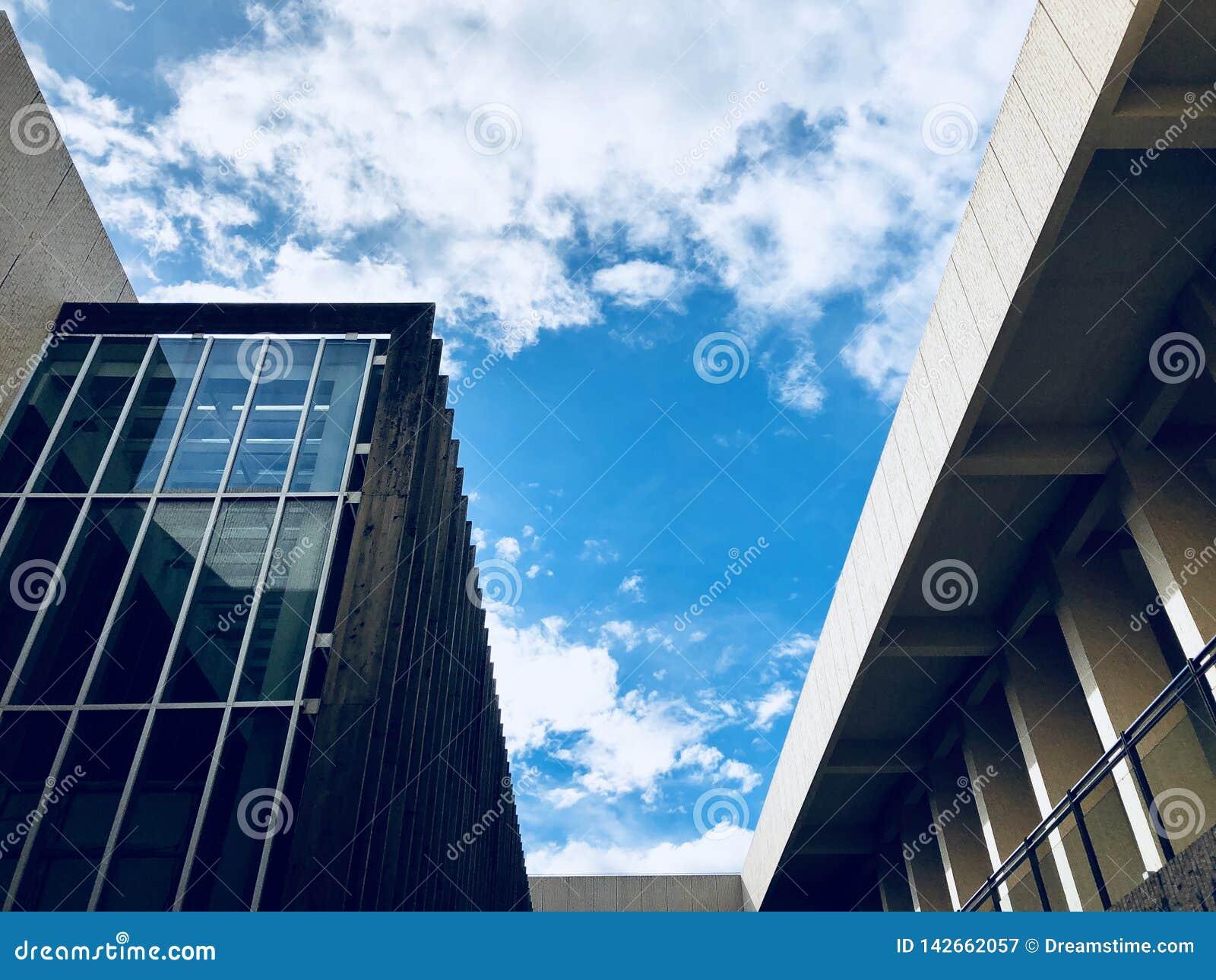 Arkitektur och sky