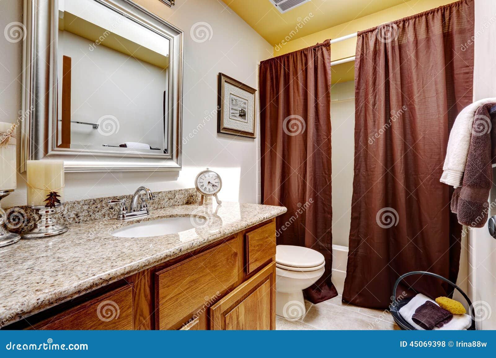 Armário de banheiro moderno com parte superior do granito Decorat das  #82A328 1300x957 Armario Banheiro Superior