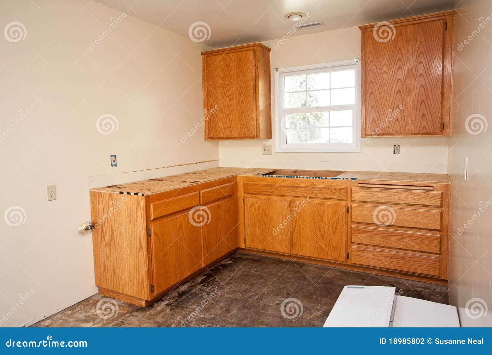 Controsoffitto per cucina - Armadi da cucina ...